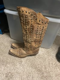 Women's corral boots size 6