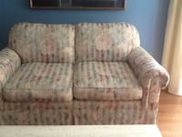 Loveseat Burlington, L7P 0S8
