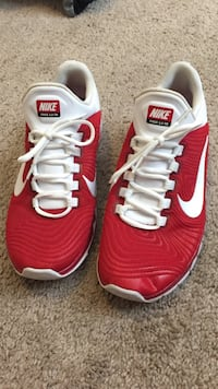 White and red nike low top sneakers Towson, 21286