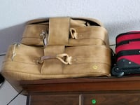 Full set of vintage luggage  Nanaimo