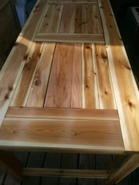 Patio table with built in cooler/ or planter box Tacoma, 98498