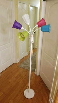 Floor lamp in new condition.