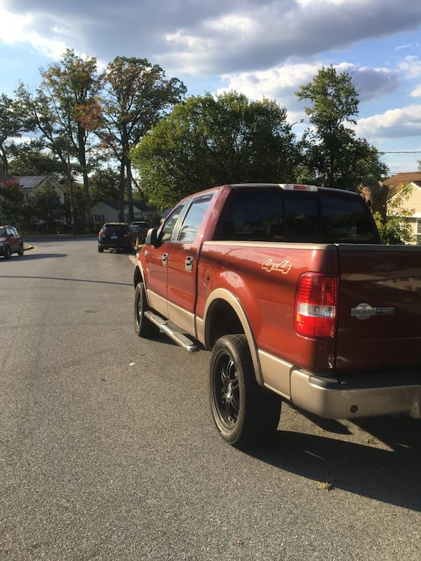 2005 Ford F-150 king ranch 4x4 1aded1cb-d119-4132-892f-9af902853e06