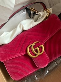 Authentic Gucci marmont small flap - new Edmonton, T6R 2C4