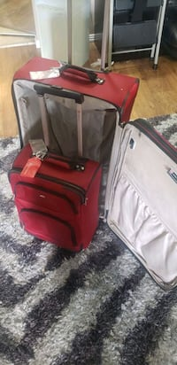 Swiss Army luggage set  Edmonton, T5K 2L1
