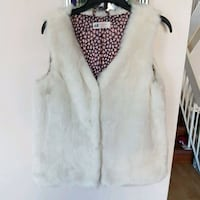 Children's vest excellent condition 12 to 13 years Port Coquitlam, V3C 6K8