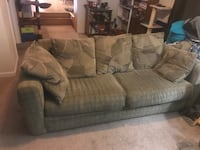 Fold-out Couch and Loveseat Hagerstown, 21740