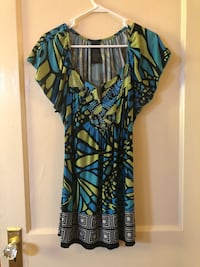 Women's (Small) printed tunic top $5 Norwich, 13815