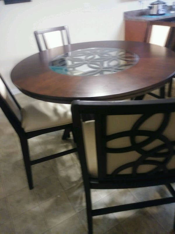 Tall dining table w/bench & 3 chairs 98bfd17e-9a38-41b6-bfb1-298e48db2017