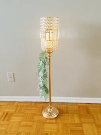 Gorgeous Table Center piece LED lamp. Colour changing has many modes