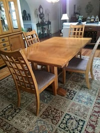 Bassett mission style dining room table & 6 chairs Vista, 92081