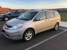 2006 Toyota Sienna XLE Limited AWD - Nav, DVD, Roof Rack and Tow, All Top of the Line
