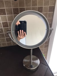 Magnification make up mirror (3X) double sided. $20 Aurora, 60504