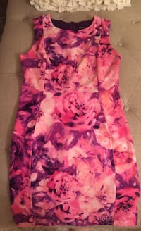 Gorgeous size medium shift dress Vaughan, L4H 0V6