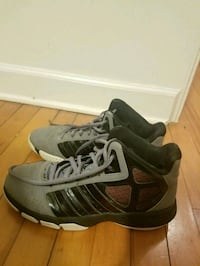 Adidas mens basketball shoes size 10 Raleigh, 27605