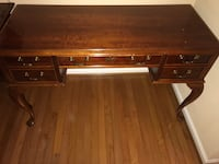 Cherry wood Desk Upper Marlboro, 20774