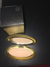 MAC compact powder makeup