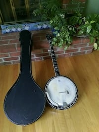 5  String Banjo with Case Winchester, 22602