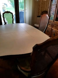 Dinning room table and chairs  South Park Township, 15129