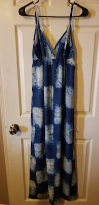 Blue and white dress Las Cruces, 88001