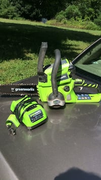 """10"""" 24Volt    Rechargable Chainsaw with Battery and Charger Newburgh, 12550"""