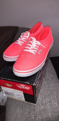 pair of red Vans low-top sneakers with box Germantown, 20876