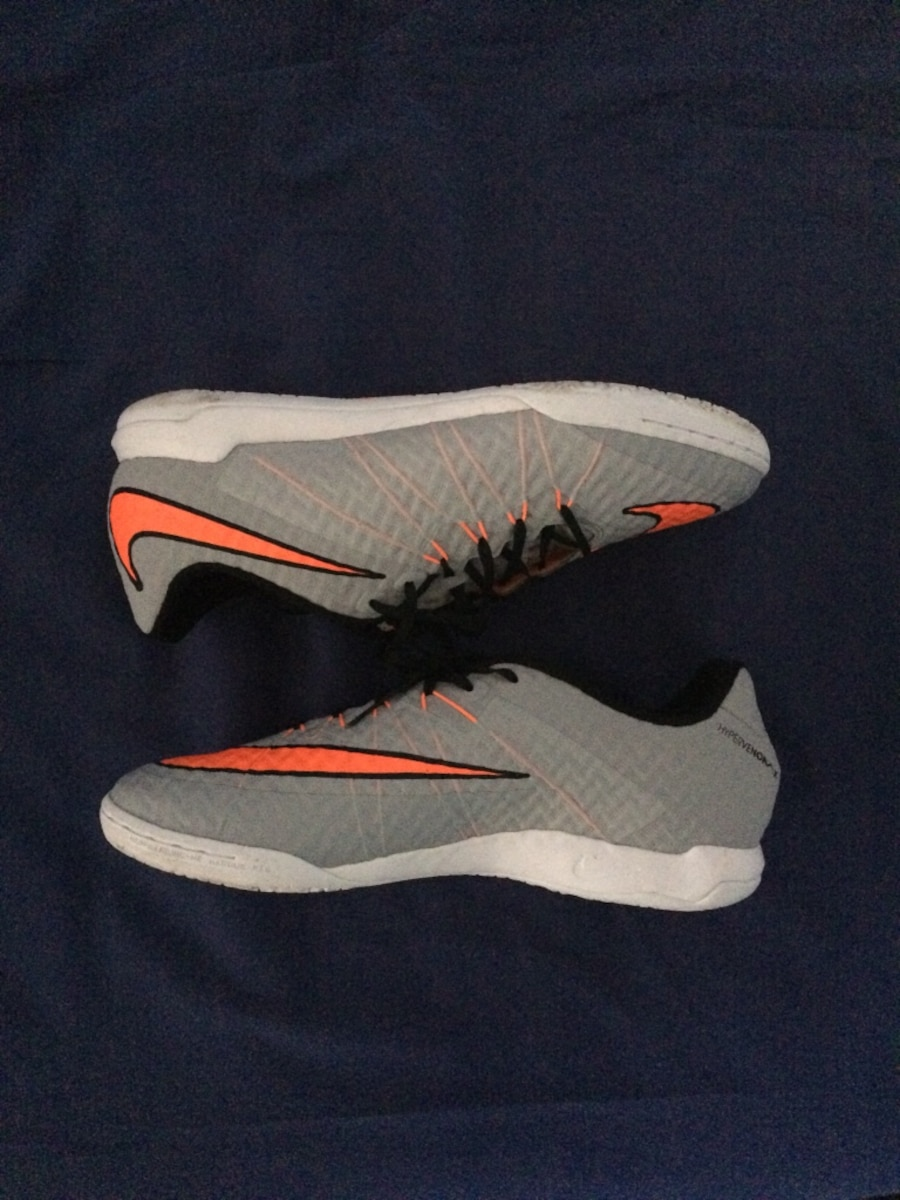 Chaussures Nike low-top et gris-et-orange - Lannoy
