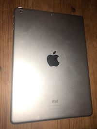 iPad Air 16 gb (almost perfect condition) Toronto
