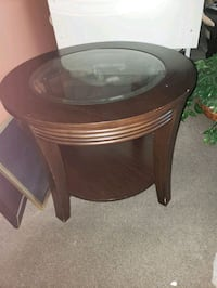 2 side tables  Montreal, H1P 2R1