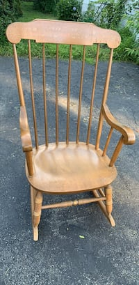 Rocking Chair Watertown, 02472