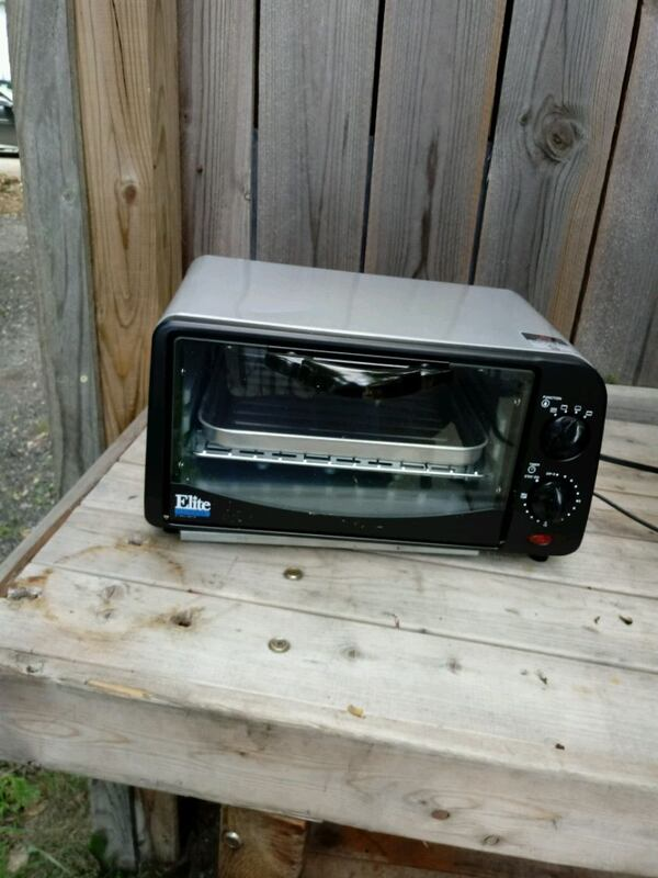 Toaster oven okay electron Home and Garden or othe a18bf3e8-812a-4d60-9c1b-ccd8ef9ed1c1