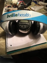 white and blue bellin bluetooth headphones Green Bay