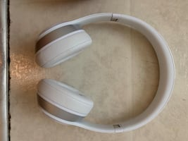 Beats Solo 2 wired. Like new
