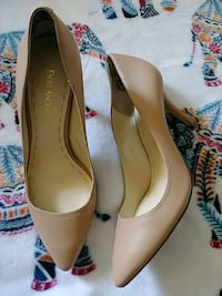 pair of brown leather pointed-toe pumps San Diego, 92105