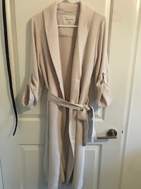 women's white and gray long sleeve dress Toronto, M5V 0B2