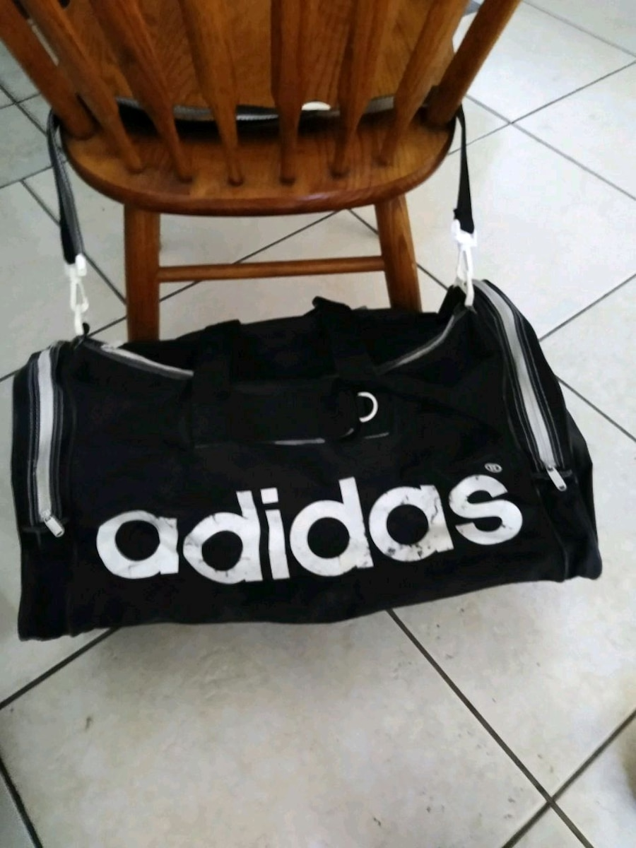 Photo Adidas sports/Gym bag