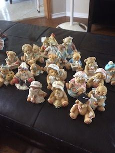 Cherished teddy lot 20 in total located in Bowmanville Ontario
