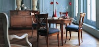 Roche Bobois Hauteville/ dining table with extension and chairs. Montréal, H2Y 2C9