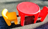 Little tikes table and chairs  Elkton, 21921