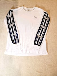 Victoria's Secret Long Sleeve T-Shirt with Dogs Dale City
