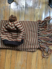 Vintage 1970's scarf and toque set