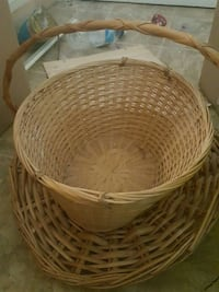 round brown wicker basket with lid Fulton, 13069