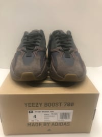 e8c988841c7 Brand New Adidas Yeezy EE9614 Boost 700 Wave Runner Mauve Size 4