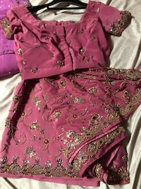 Indian heavy embroidery saree size  s/m wear only once Surrey, V3S 1S3