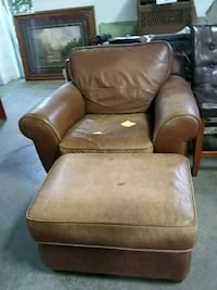 Leather armchair + ottoman Minneapolis, 55413