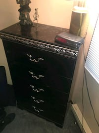 dresser for sell. like new  Hagerstown, 21740