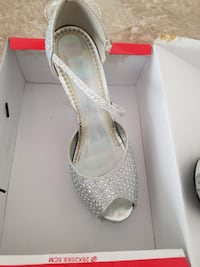 Unpaired silver studded ankle-strap peep-toe pumps with box size 8 Hamilton, L9C 2L7