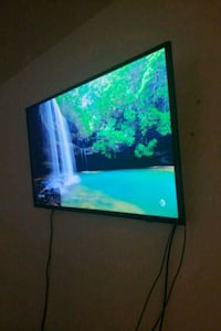 40' SAMSUNG SMART TV / Not Negotiable  Dallas, 75231