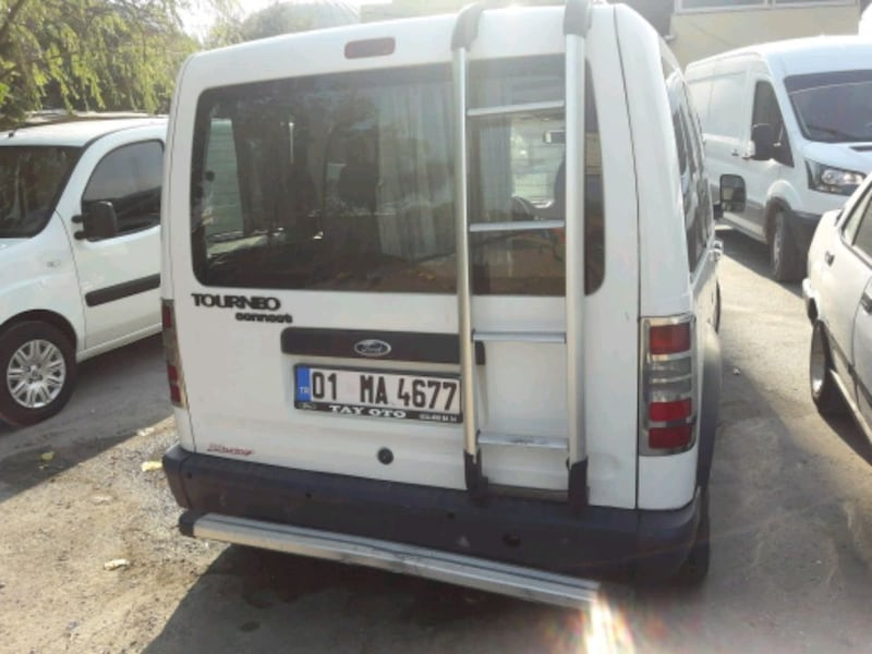 2004 Ford Transit Connect 2