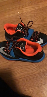 Kd 7s size 7 selling for $100 because it's a old shoe that is hard to find  Haddonfield, 08033